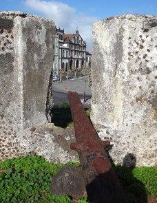 Canhao igreja